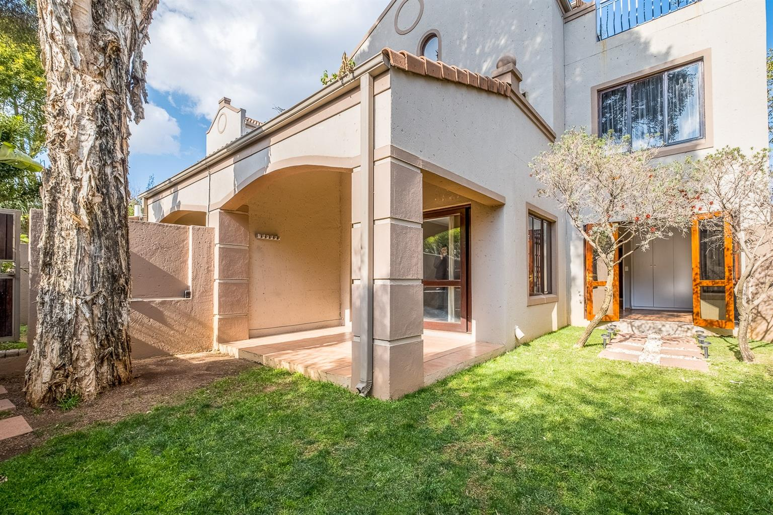 Apartment For Sale in Waverley
