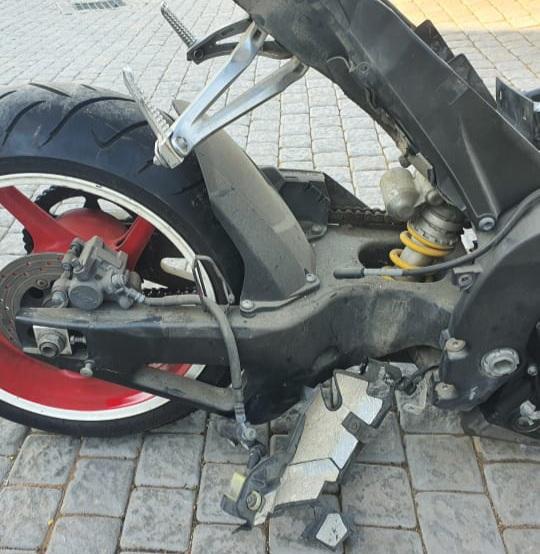 2007/2008 Yamaha R1, Swingarm