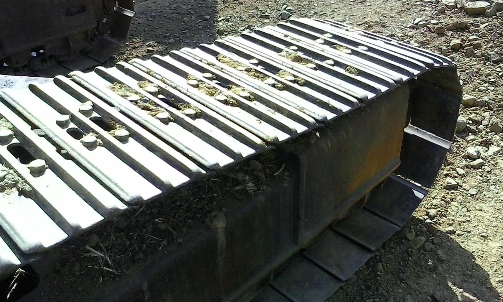 Bell HD1023E Excavator
