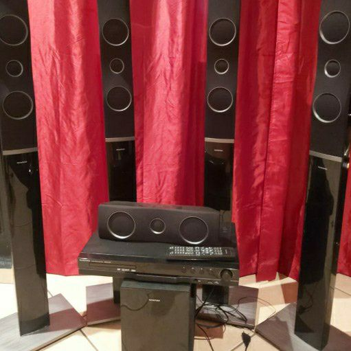Pre-Owned Home Theater System
