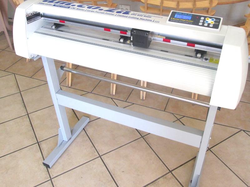 V-1368 V-Series High-Speed USB Vinyl Cutter, 1360mm Working Area, In-house VinylCut