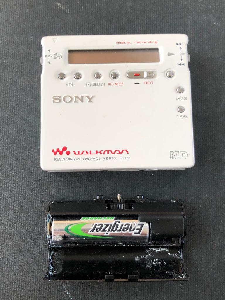 Sony Walkman MZ-R900 Personal MiniDisc Player-a rare find!
