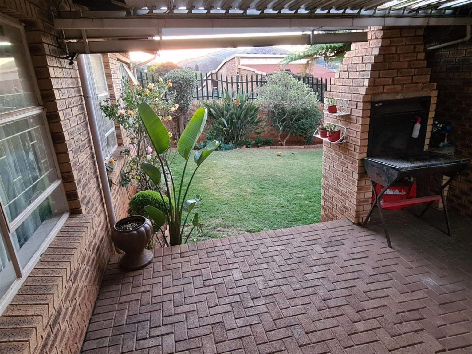 Townhouse For Sale in ROODEKRANS