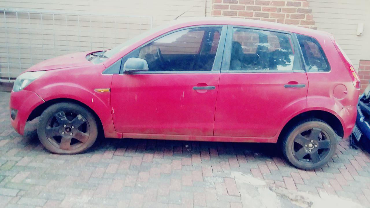 Stripping Ford Figo 2010