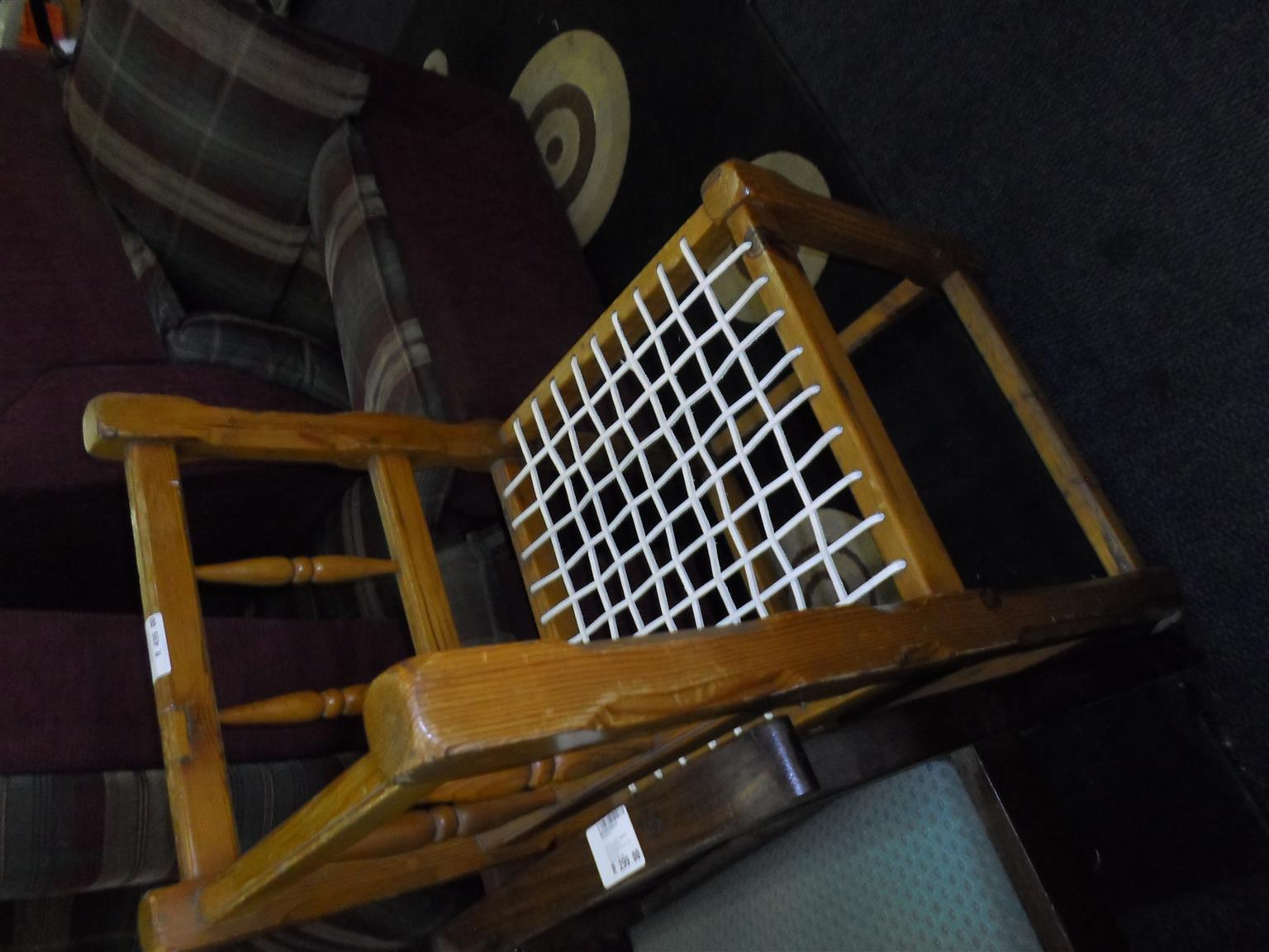 Oregon Pine Wooden Corner Riempies Chair