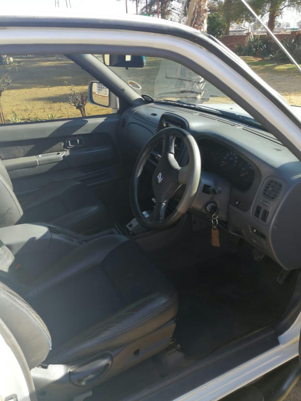 2007 Nissan Hardbody 3.0 16V TD KingCab Hi rider