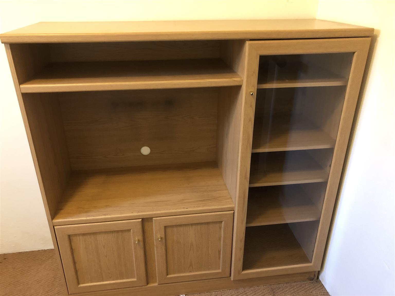 Small Wall Unit - Excellent Condition