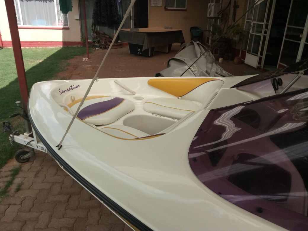 2005 Sensation Boat for Sale R130000.00