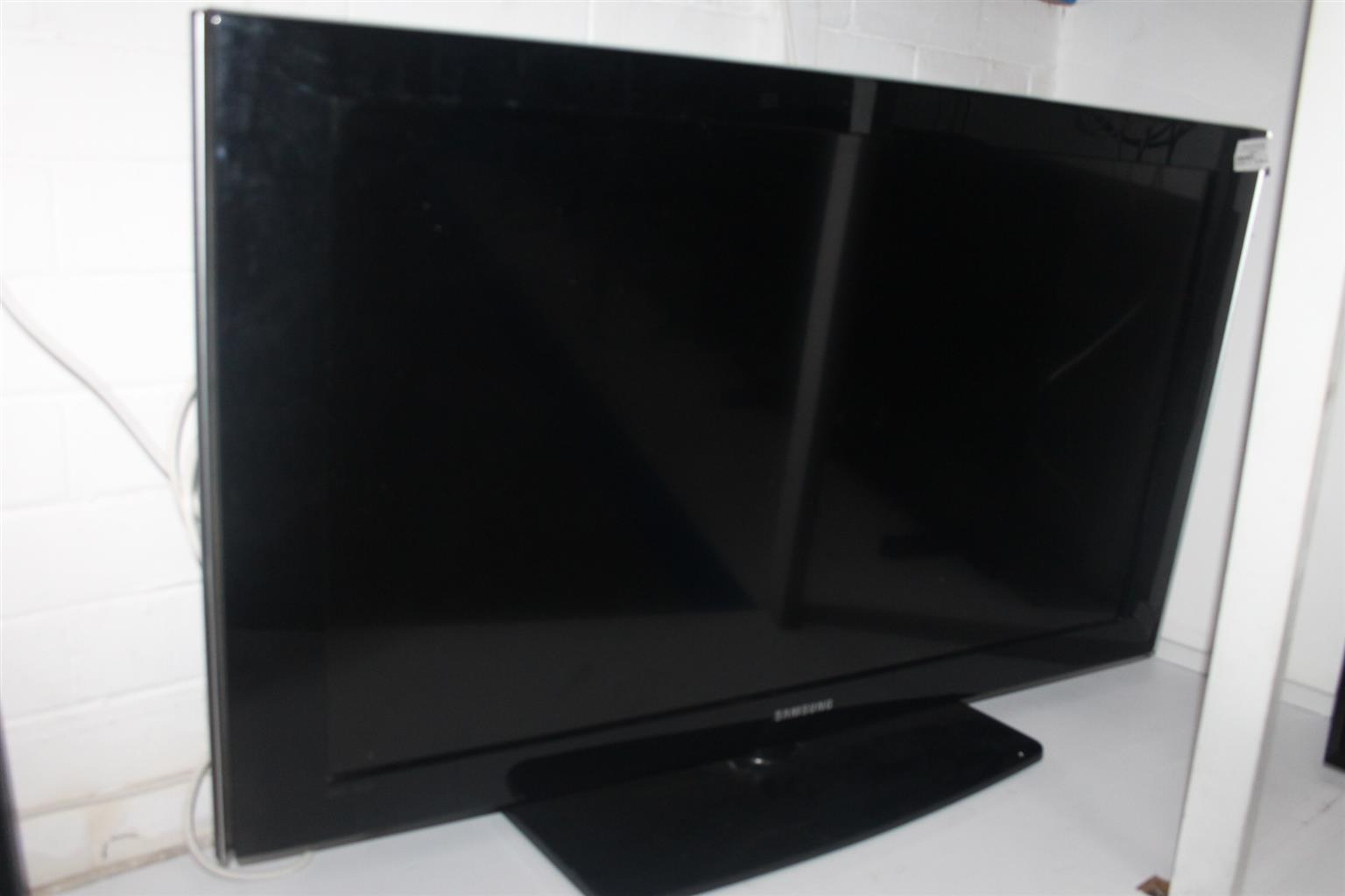 SAMSUNG 40 INCH LCD TV WITH REMOTE S044676A #Rosettenvillepawnshop