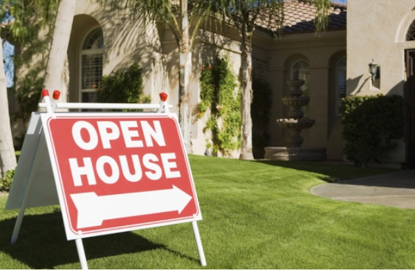 BUYING OR RENTING A HOUSE ?