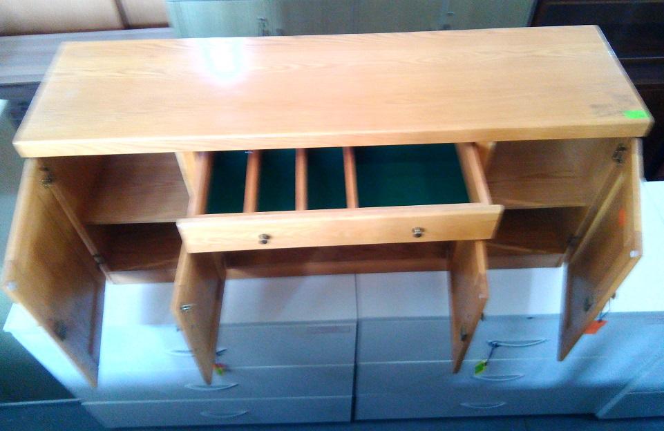 Server cabinet 4 dr plus 1 drawer Oak veneer