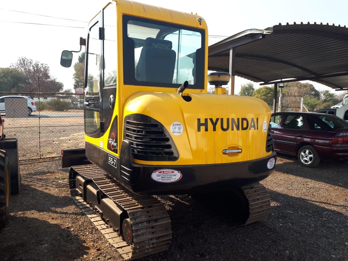 HYUNDAI ROBEX 55-7 EXCAVATOR 7 T