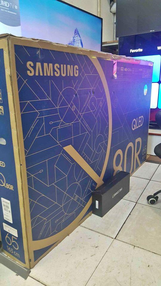 """Samsung 65"""" Qled New in box .series 8, Model QA65Q80RAk"""