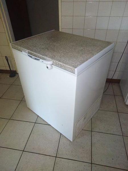 Defy 210 litre deep freeze for sale