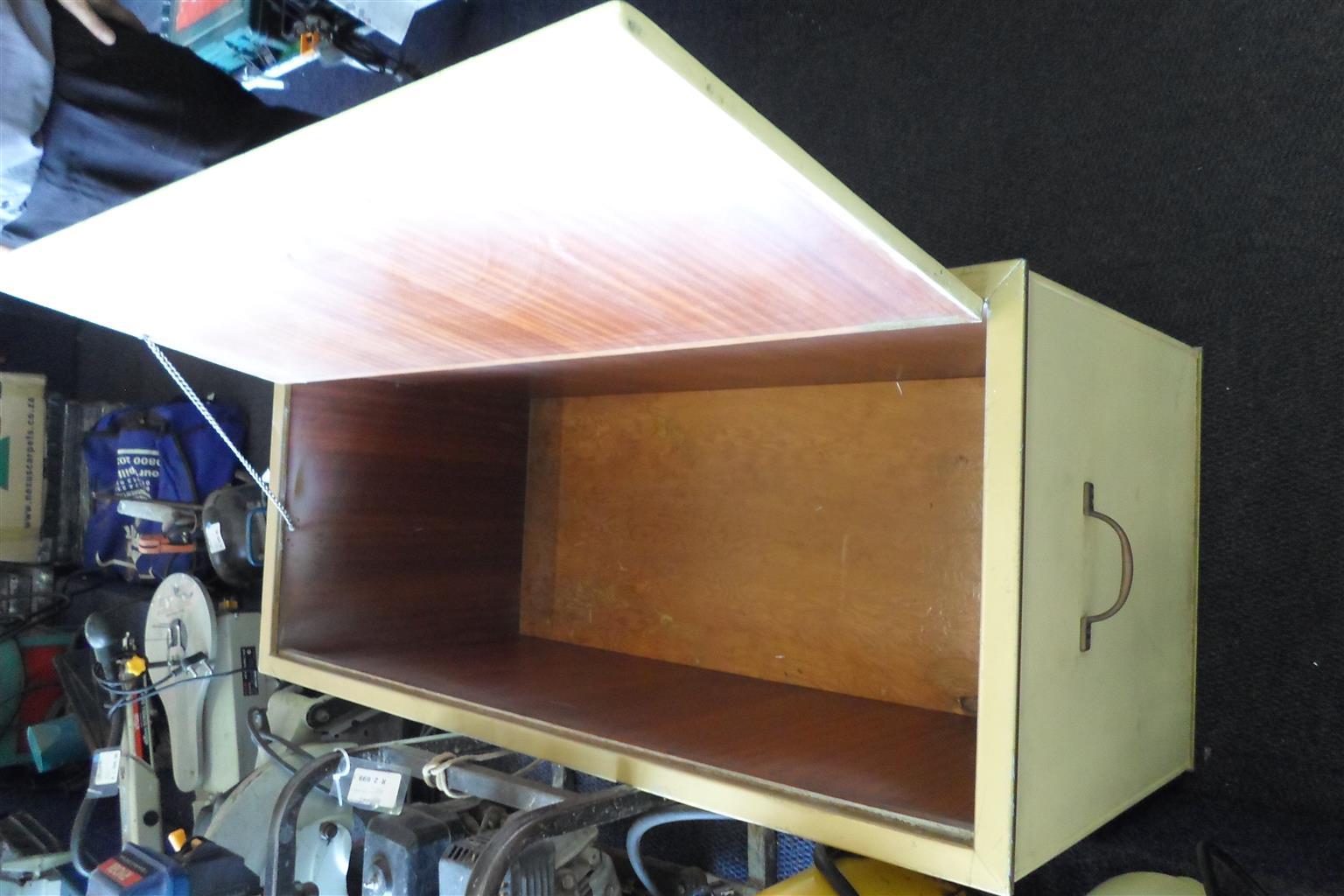 Wooden Linen Kist