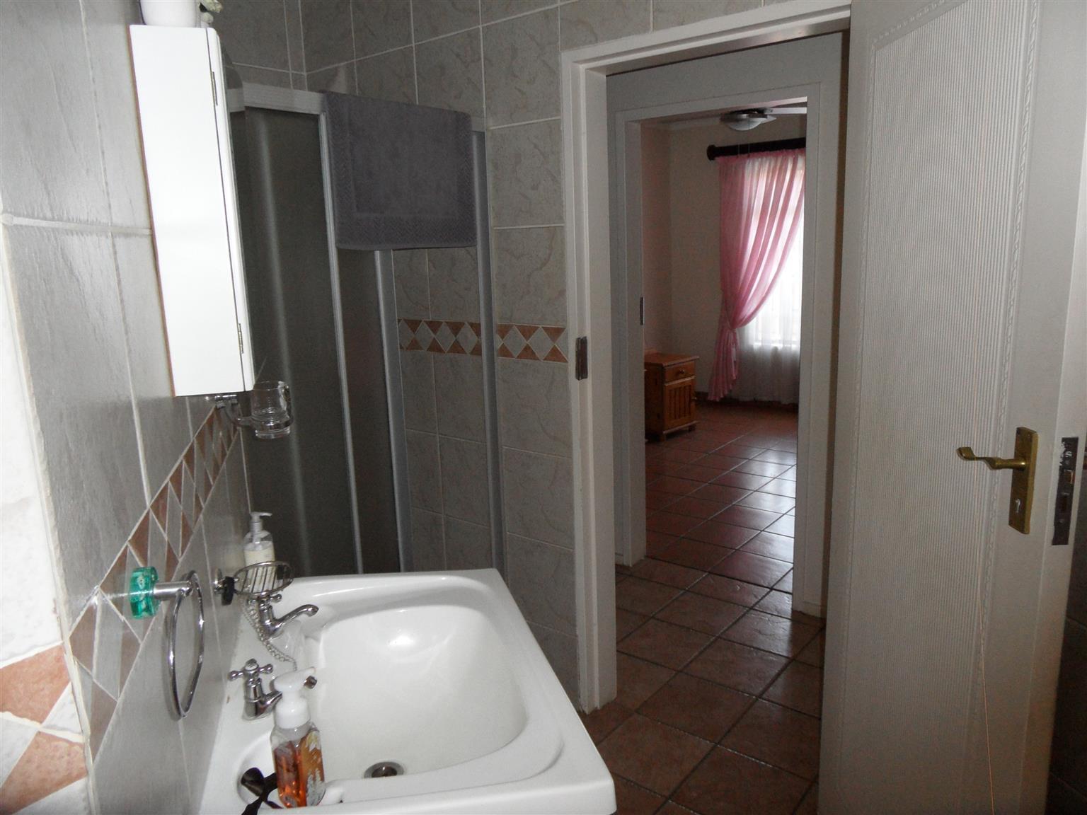 3 Bedroom House for Sale in desired area of Eldoraigne