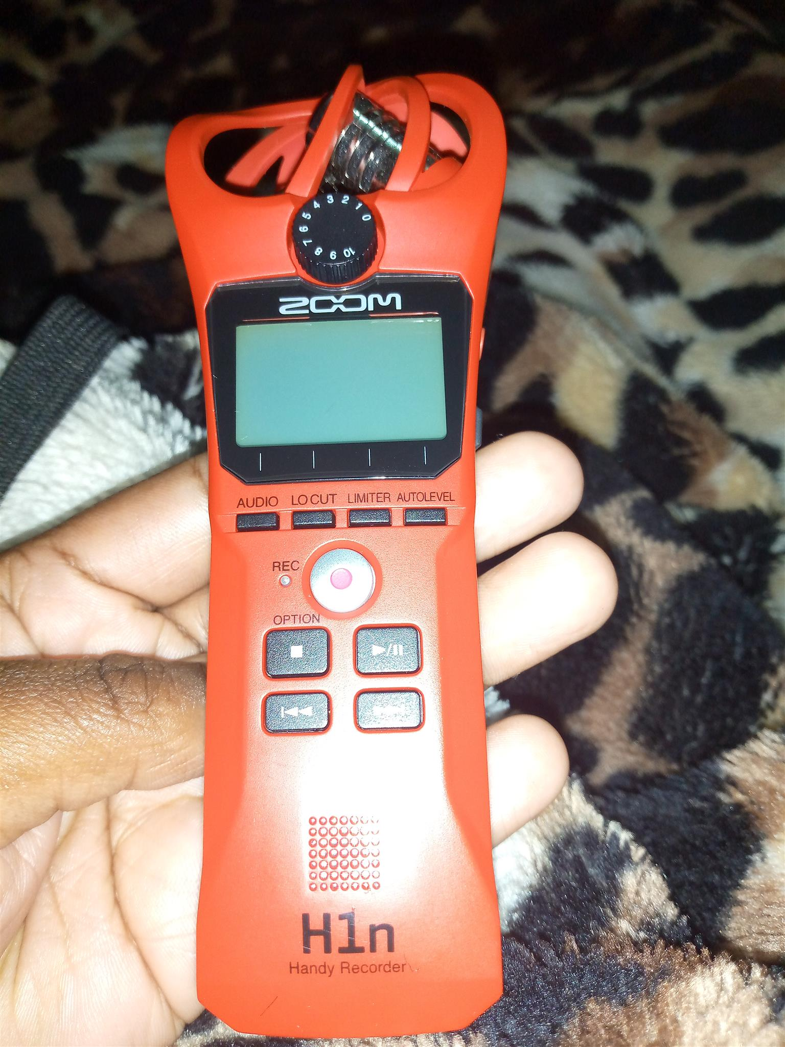 Zoom H1n latest version in excellent condition. Comes with accessories.