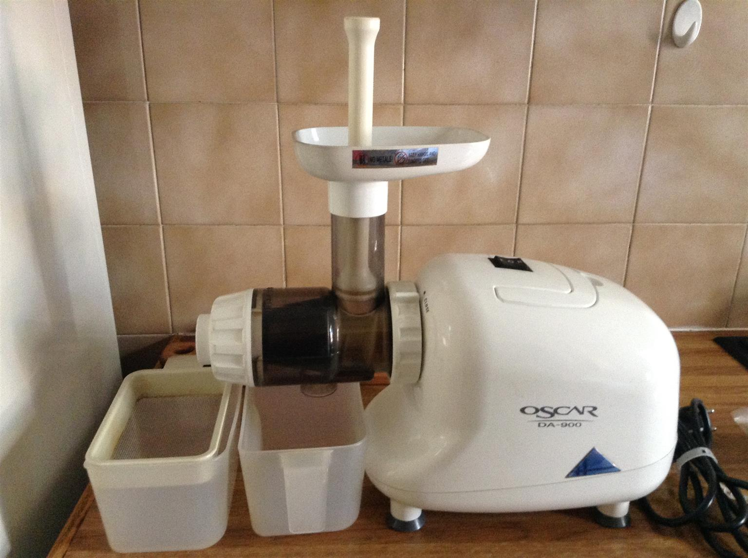 Oscar DA-900 juicer and oil extractor