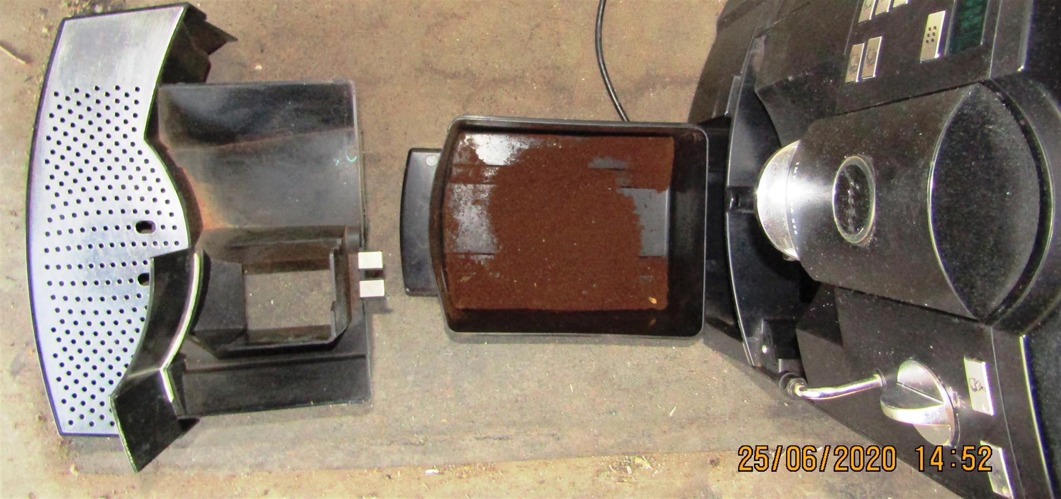 Jura Impressa X90 Fully Automated Coffee Machine