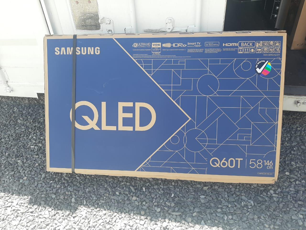"SAMSUNG 58"" QLED SMART TV Q60T"