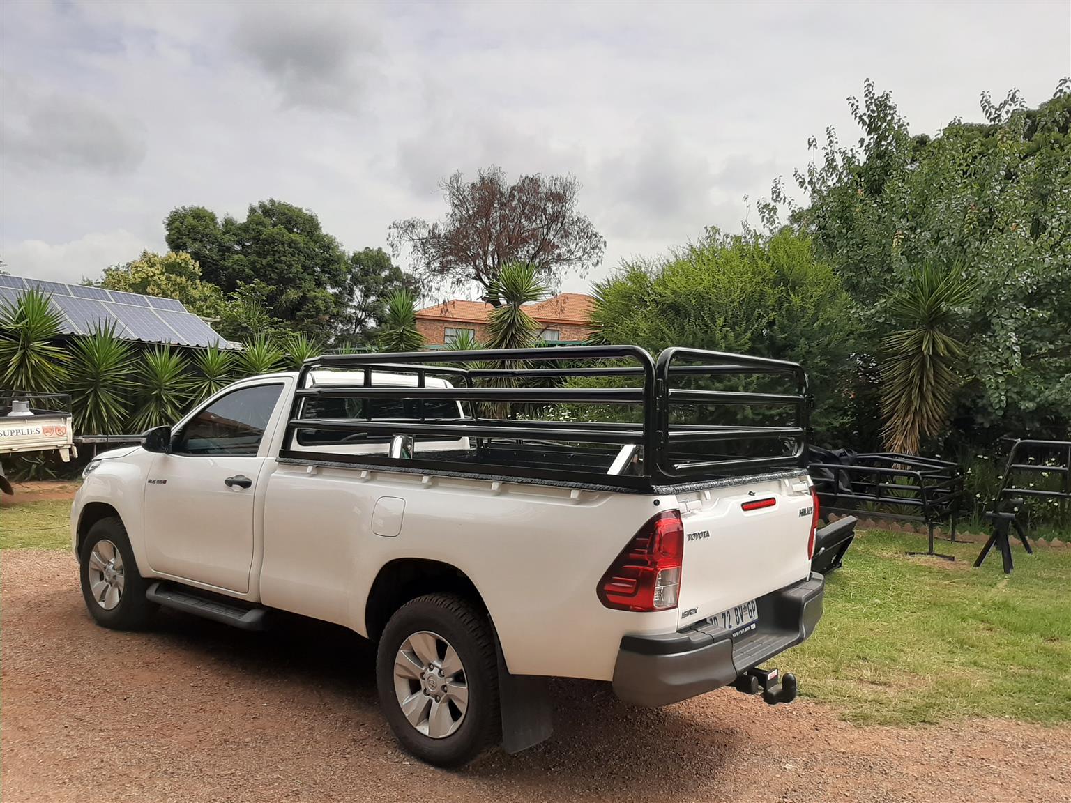2021 Hilux SC cattle rails