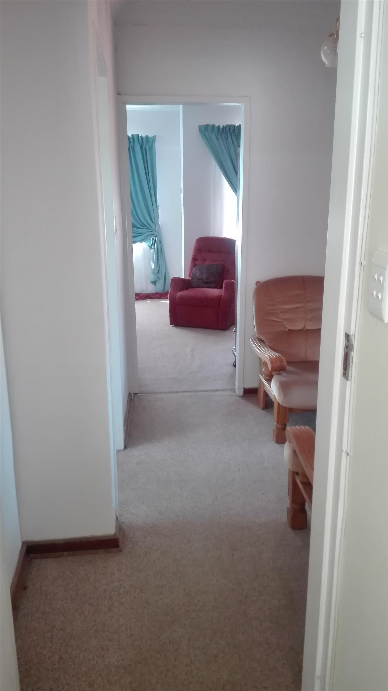 Waterkloof Glen R6850 1br  furnished
