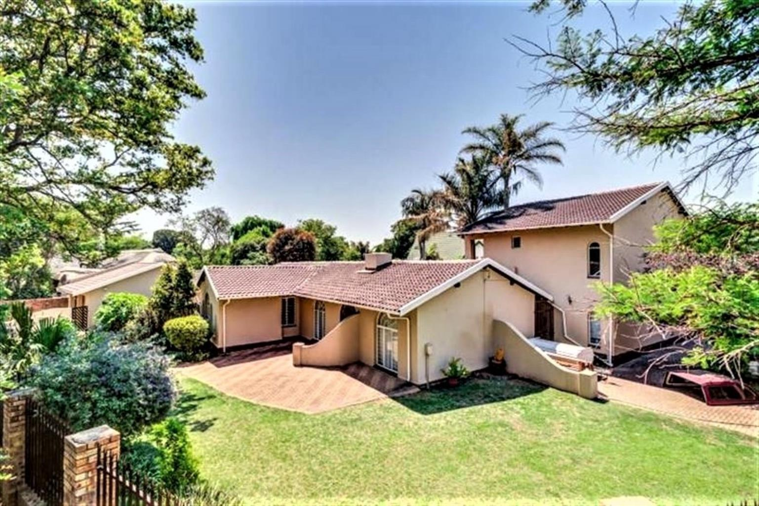 House For Sale in Van Riebeeck Park