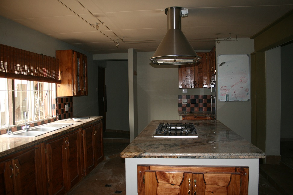 Spacious 3 bedroom house for rent on plot  – Mnandi (between Midrand and Centurion)