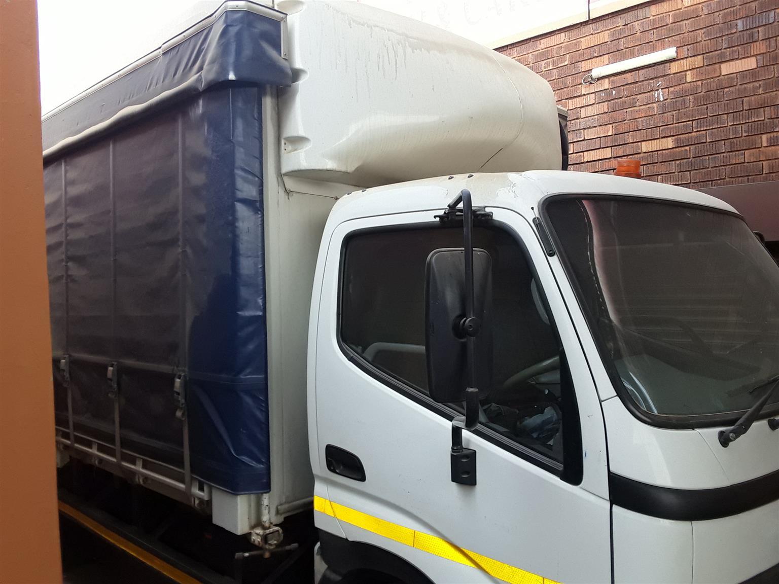 Hino 915lwb truck