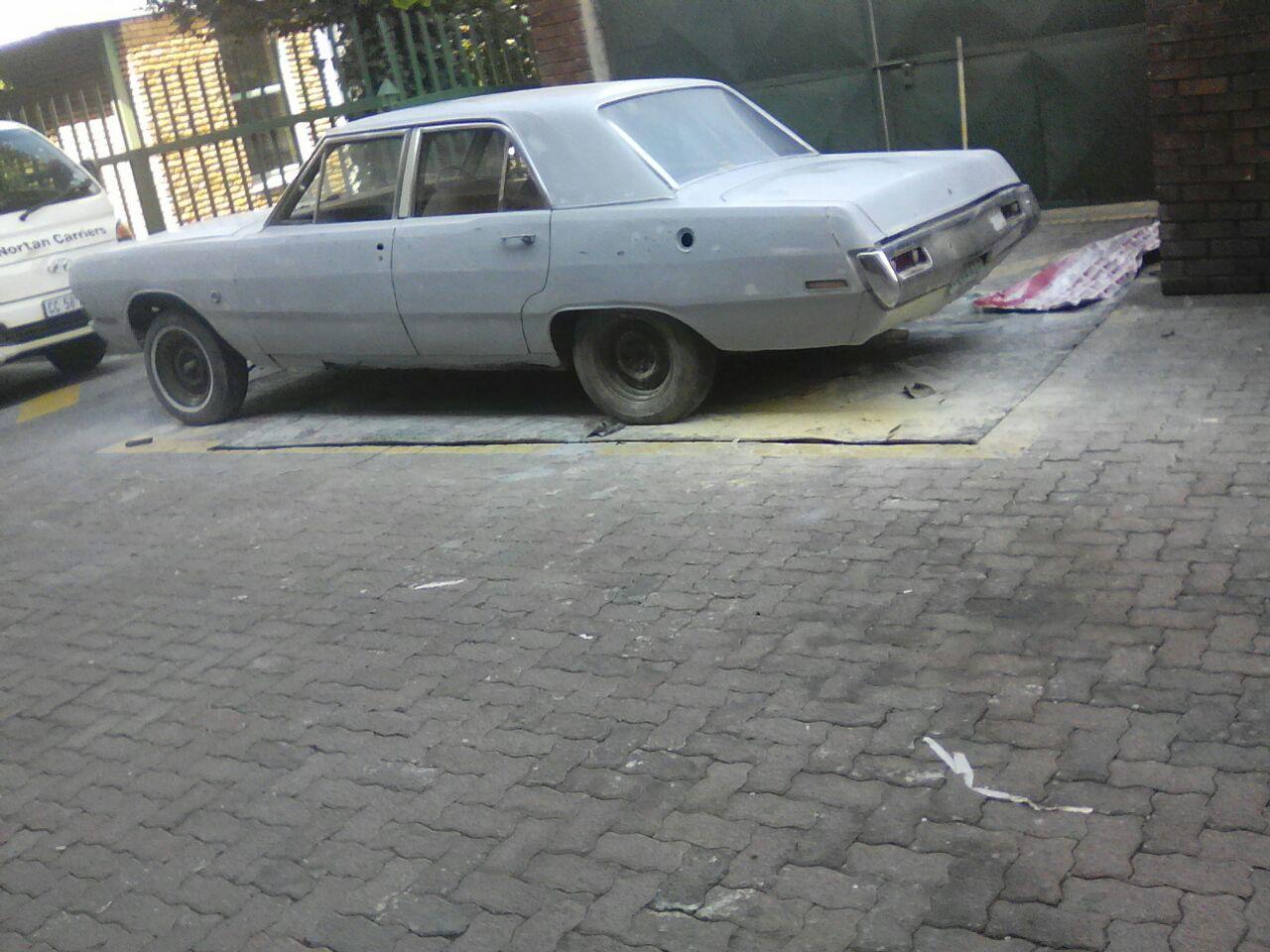 Valiant Regal 1970 for restoration