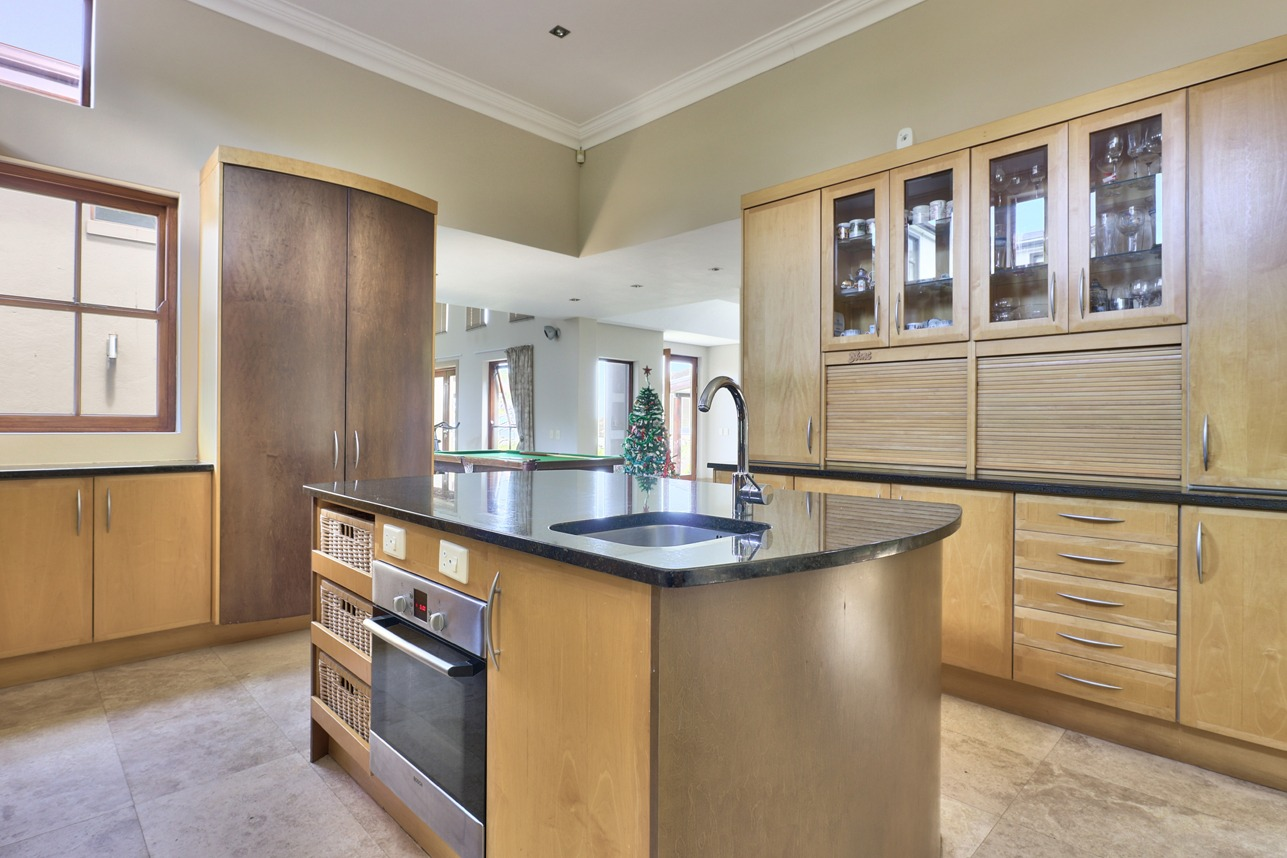 House For Sale in Belvedere