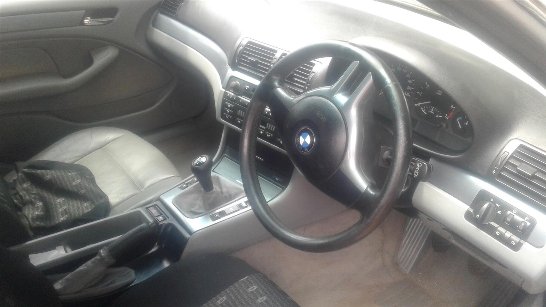 2000 BMW 3 Series 320i