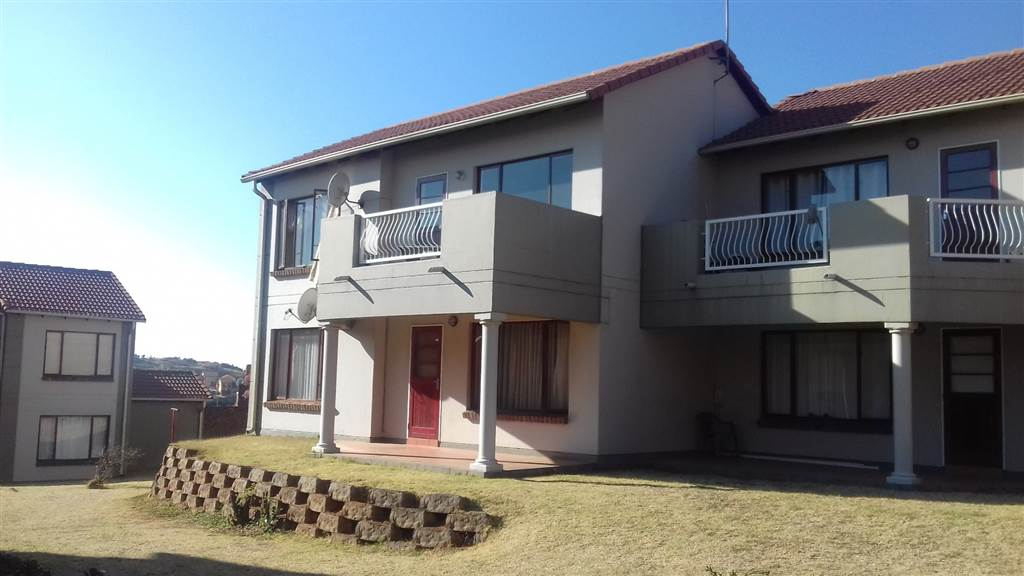 Mondeor 2bedroomed townhouse to rent for R6500