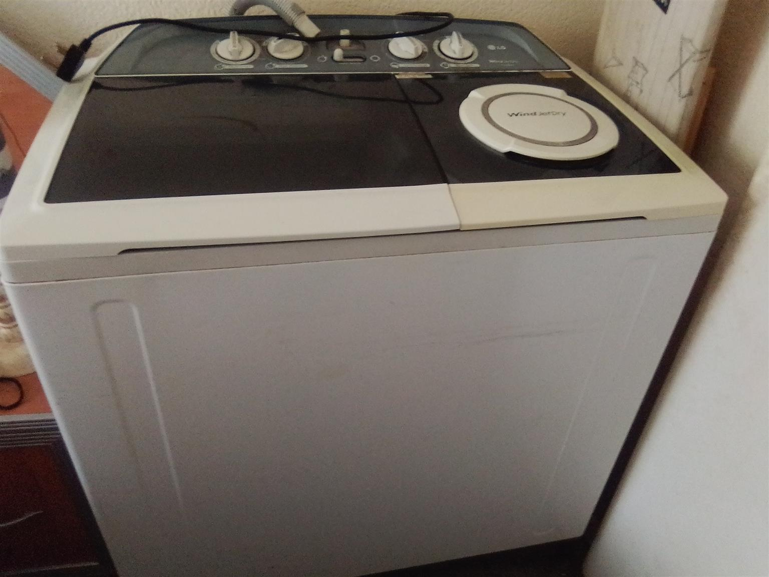 LG Twin Tub 13 kg in perfect working order, still in perfect condition