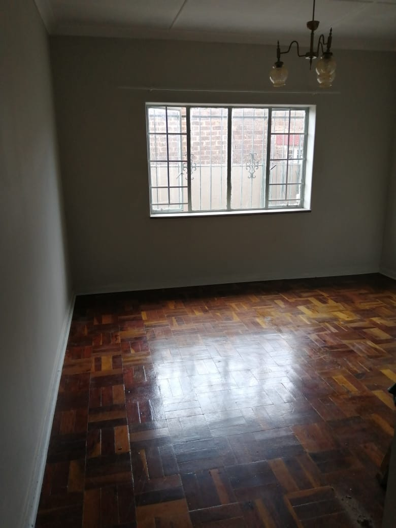 House For Sale in Regents Park