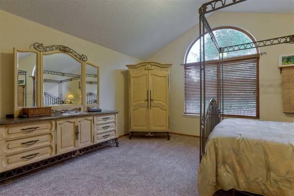 Elegant European Queen Size Bedroom Set with Granite Top - R10,500