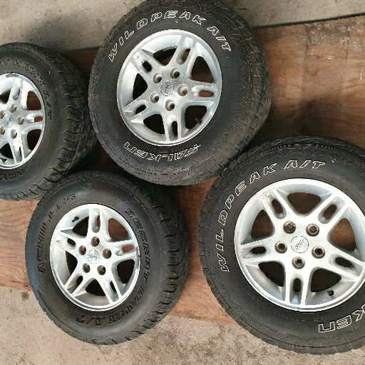 Jeep Rims and tyres