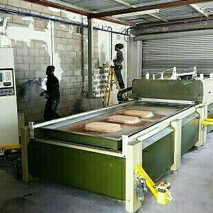Vacuum thermo forming machine for sale