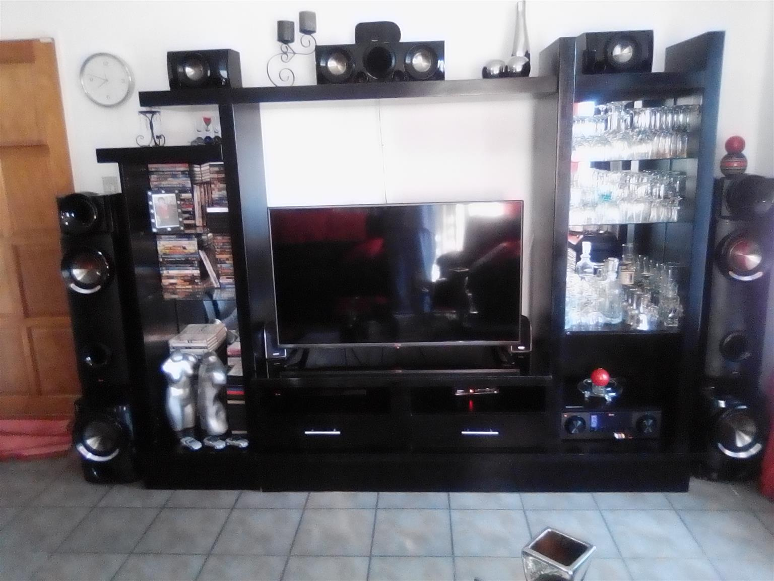 LG Tv 49inch LED as new