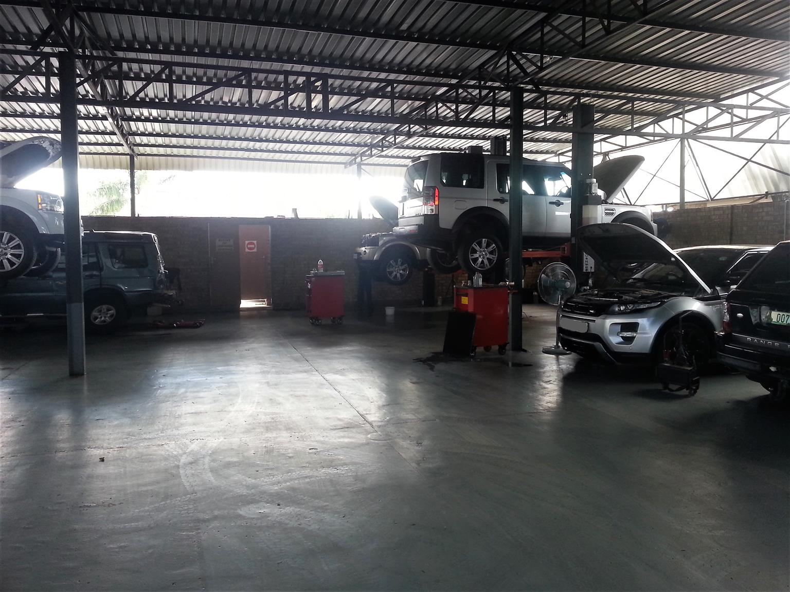 Land Rover Workshop - Service & Repair