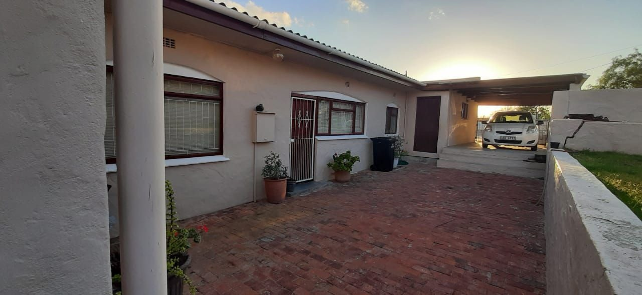 House For Sale in Montagu
