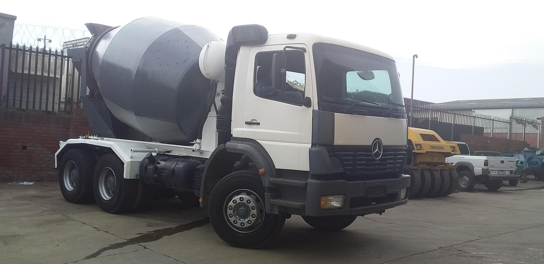 2003 MERCEDES BENZ CONCRETE MIXER