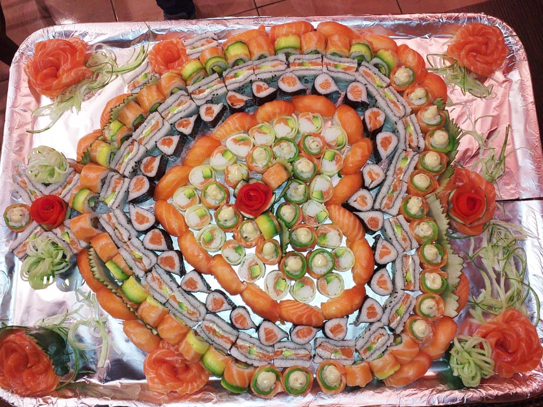 I am a qualified head sushi chef looking for a job
