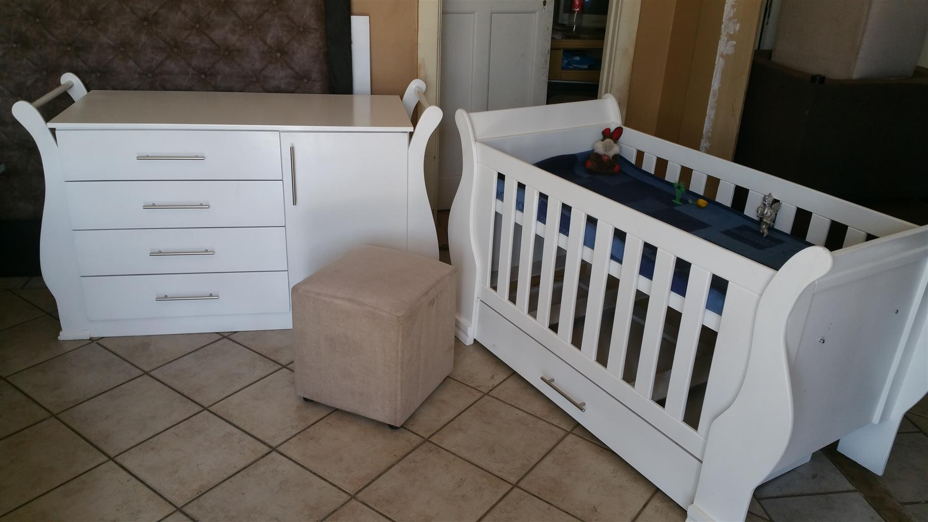 Baby Cot And compactum Combo Item Code Sur 02