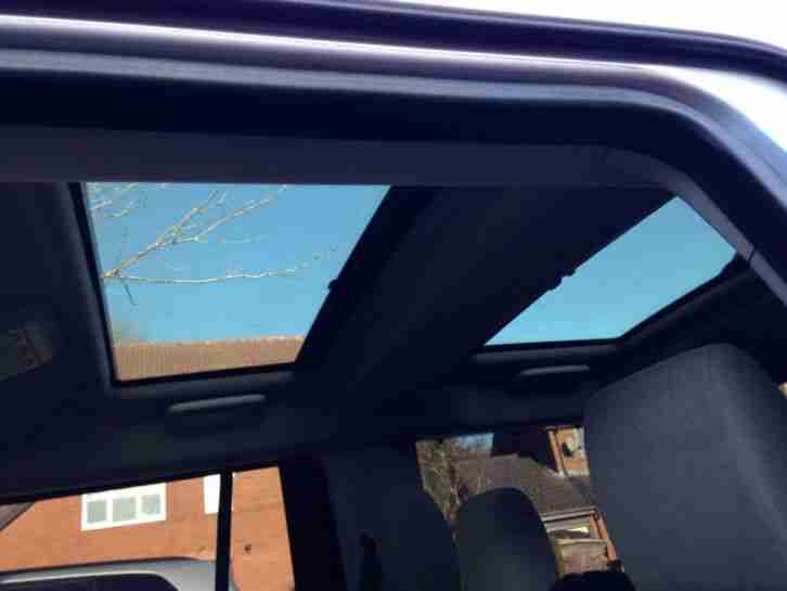 Land Rover Discovery 4 Panoramic Roof