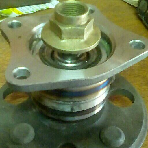 Toyota collora or tazz model 1990 to 2002 rear Wheel bearing wit hub