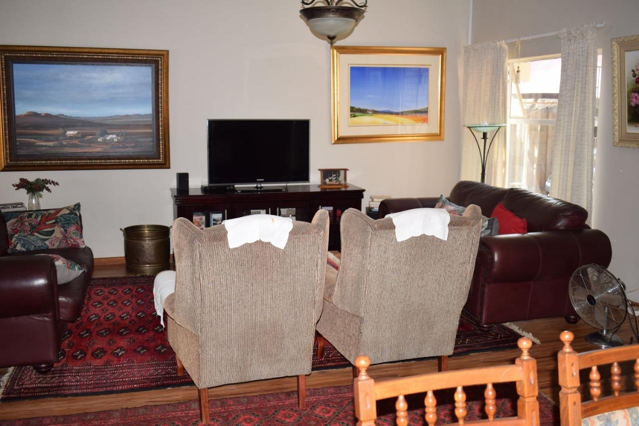 Monumentpark 3 Bedroom House with a flatlet for sale