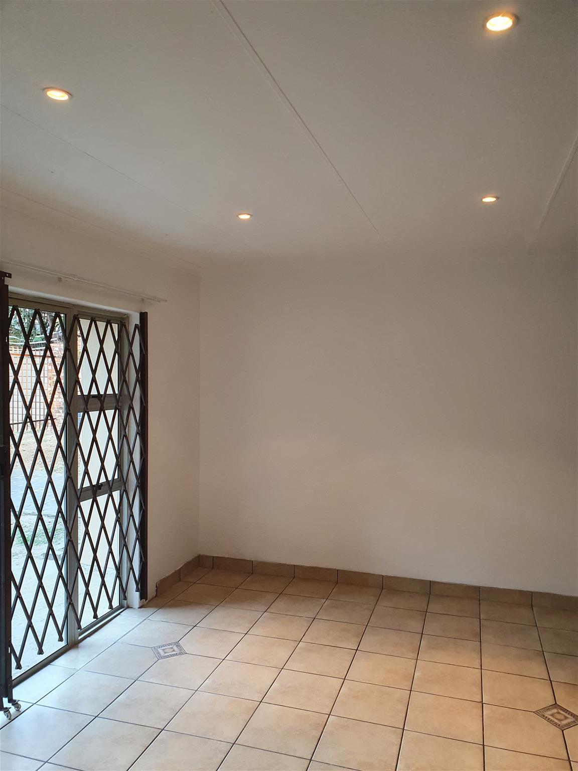 Newly renovated 2 Bedroom Cottage to rent in Buccleuch, Sandton