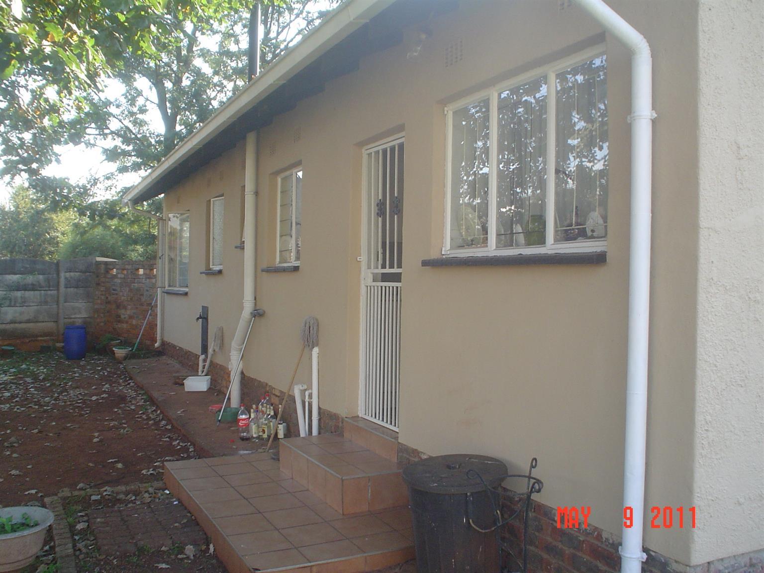 3 Bedroom 1.5 bathroom House to Rent Dersley Park Springs