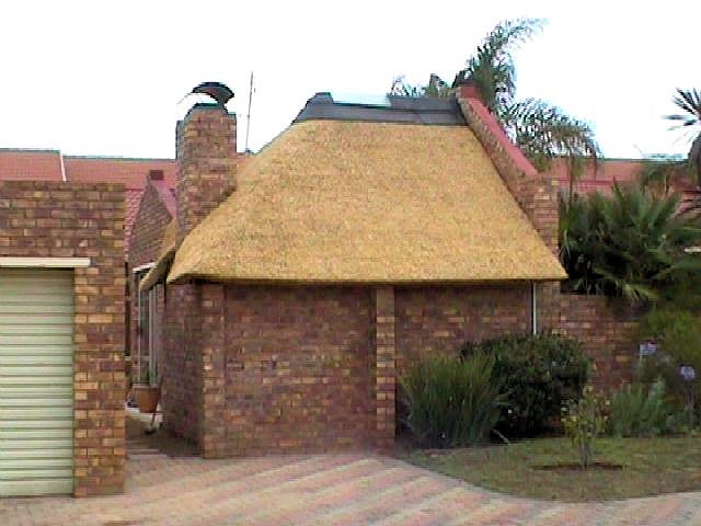 Affordable Lapas Thatched Roofs Thatch Repair And Maintenance In Gauteng Junk Mail